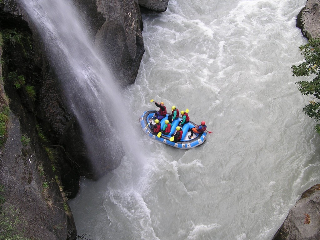Week end eau blanche rafting savoie italie ecolorado rafting - Sportives sous la douche ...