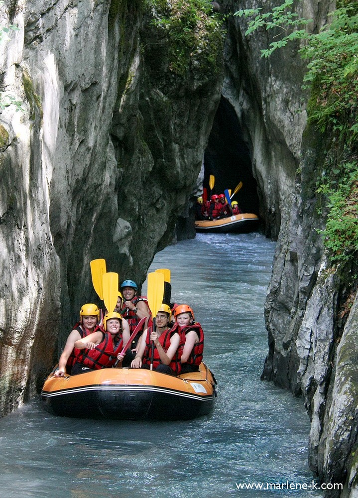 reservation rafting hydrospeed airboat canoraft paddle Haute-Savoie Alpes